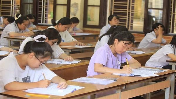 Bỏ môn thi tổ hợp trong kỳ thi vào 10 do dịch Covid-19 bùng phát
