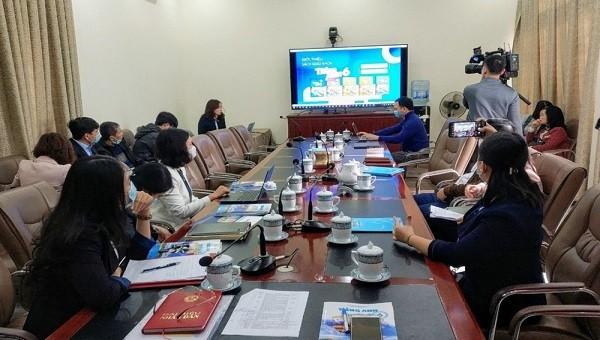 Hội nghị trực tuyến với các điểm cầu là trường tiểu học tại Hải Phòng.