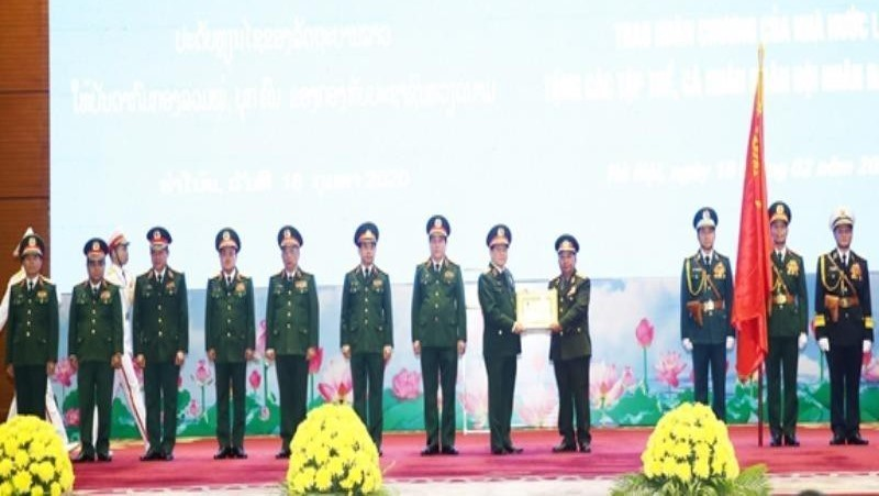 Trao tặng Huân chương của Nhà nước Việt Nam, Nhà nước Lào