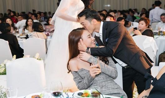 Cường Đô La hạnh phúc bên người đẹp Đàm Thu Trang