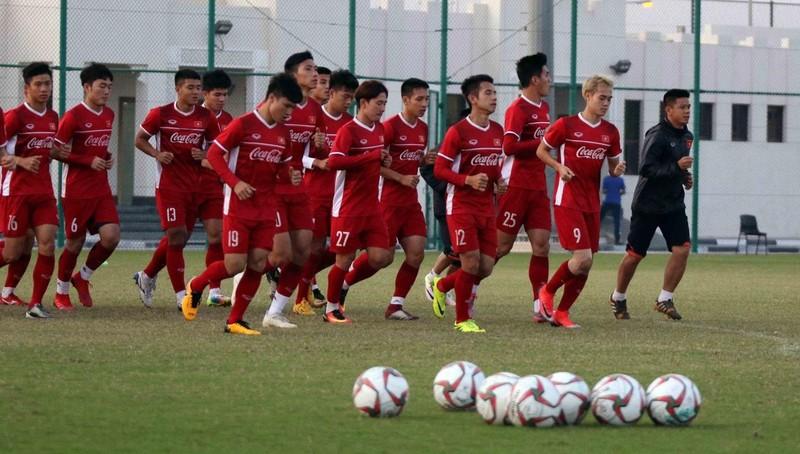 Tin vui về ĐT Việt Nam: Tiền vệ Trọng Hoàng bình phục, chính thức vào sân tập