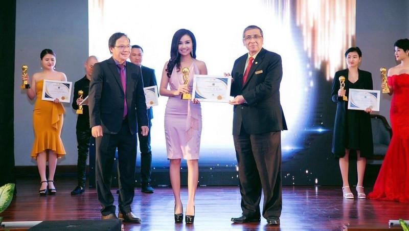 Xuân Thanh cosmetics vinh dự nhận cup thương hiệu chất lượng Châu Á Thái Bình Dương.