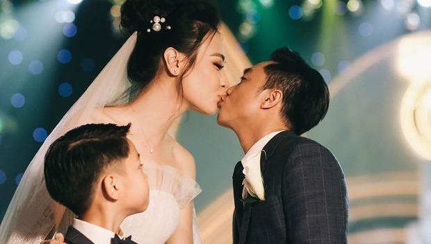 Đàm Thu Trang quyết định 'cưới thêm vợ' cho Cường Đô La?