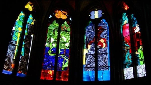 Ngỡ ngàng trước vẻ đẹp của nhà thờ Đức Bà Reims