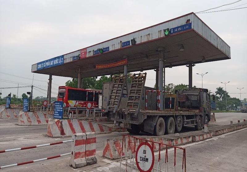 Công ty CP BOT Quốc lộ 2 chưa tán thành với yêu cầu tạm dừng thu phí của Tổng cục Đường bộ Việt Nam.