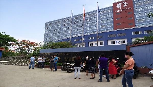 Trường Ngôi Sao Việt (TP HCM) vô cảm trước khó khăn của phụ huynh, học sinh thời dịch bệnh?