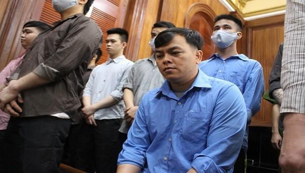 Phúc XO và các bị cáo đang hầu tòa