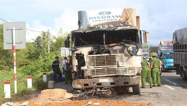 Hiện trường sau vụ tai nạn liên hoàn.