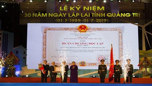 Phó Chủ tịch Thường trực Quốc hội trao tặng Huân chương Độc lập hạng Nhất cho  Quảng Trị