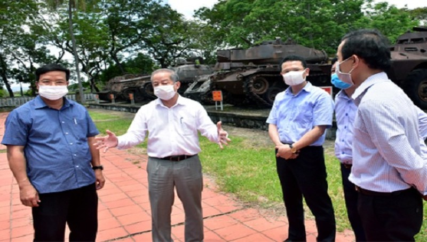 Chuyển máy bay, xe tăng, súng thần công tại Bảo tàng Lịch sử Thừa Thiên - Huế tới địa điểm mới
