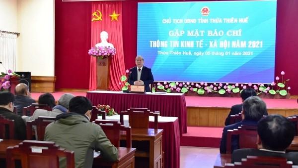 Chủ tịch UBND tỉnh Phan Ngọc Thọ phát biểu tại buổi gặp mặt