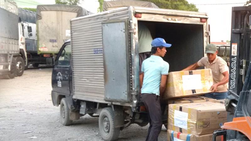 TP HCM cho phép các xe tải chuyển hàng thiết yếu phục vụ phòng chống dịch bệnh Covid-19.