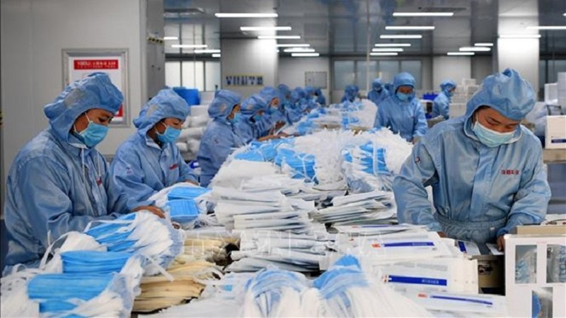 Khẩu trang và nước rửa tay sát khuẩn được TP HCM đưa vào diện Bình ổn thị trường.