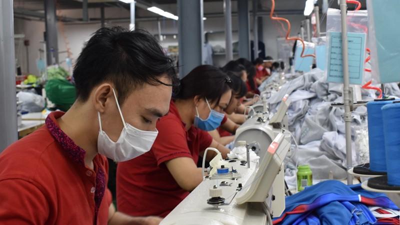 TP HCM hỗ trợ 3 triệu đồng cho người mất việc vì Covid-19