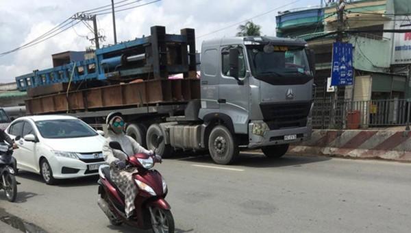 TP HCM sẽ kiên quyết xử lý xe quá tải, cơi nới.
