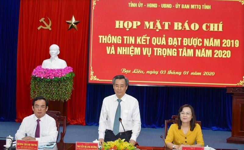 Ông Nguyễn Quang Dương - UVTW Đảng, Bí thư Tỉnh ủy phát biểu tại buổi họp mặt báo chí.