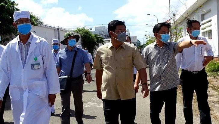 Chủ tịch UBND tỉnh Cà Mau kiểm tra công tác phòng, chống dịch bệnh nCoV
