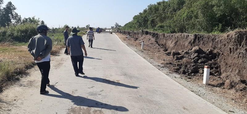 Cà Mau: Đường phòng hộ đê biển Tây tiếp tục bị sụp lún