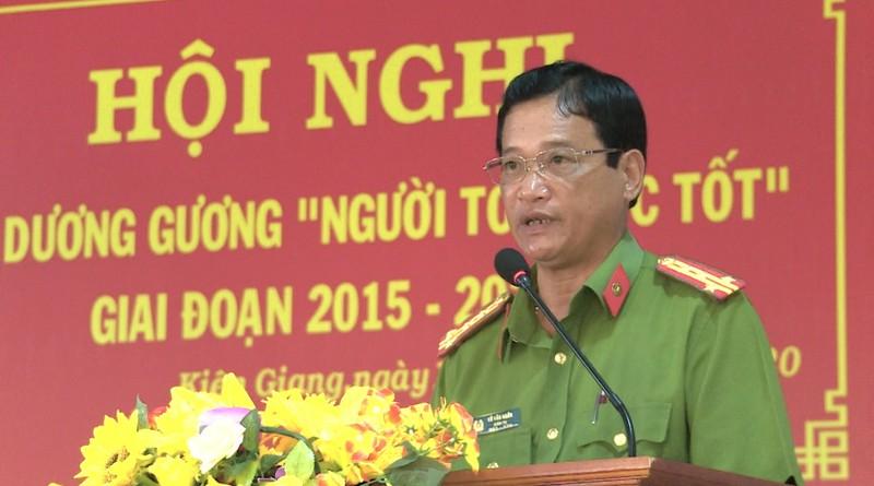 """Đại tá Võ Văn Ngôn – Giám thị Trại giam Kênh 7, Báo cáo tổng kết thi đua """"Vì An ninh Tổ quốc"""" 5 năm qua của đơn vị."""
