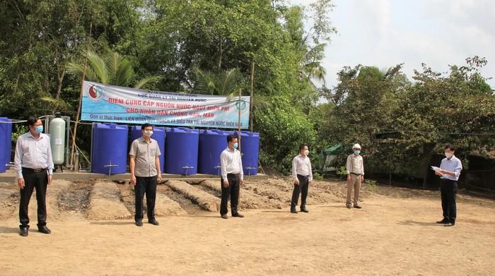 Lễ bàn giao công trình cung cấp nước sinh hoạt miễn phí ại ấp Đông Hưng, xã Vĩnh Hưng (huyện Vĩnh Lợi, Bạc Liêu).