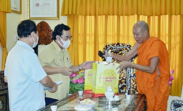 Chủ tịch UBND tỉnh Bạc Liêu thăm và chúc Tết cổ truyền Chôl-chnăm-thmây