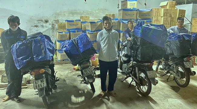 Bắt giữ nhiều đối tượng vận chuyển gần 6.000 bao thuốc lá nhập lậu