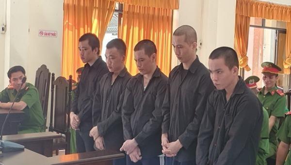 Hơn 30 năm tù cho 5 thanh niên trộm cắp dây tải điện