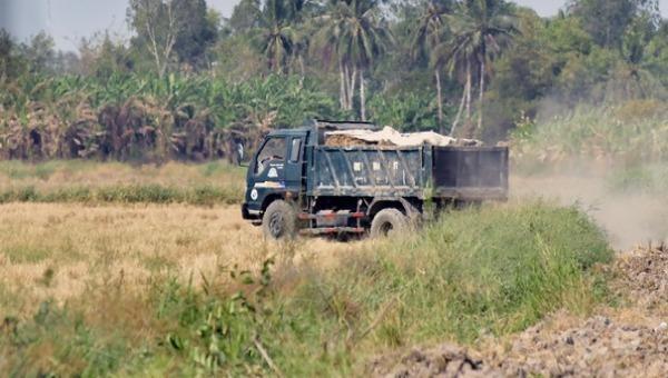 Chủ tịch UBND tỉnh Cà Mau chỉ đạo xử lý về khai thác khoáng sản trái phép