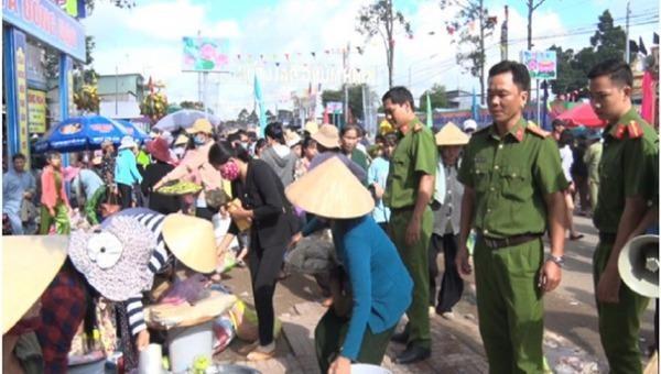 Công an huyện Phú Tân tăng cường đảm bảo an ninh trật tự dịp Đại lễ Phật giáo Hòa Hảo
