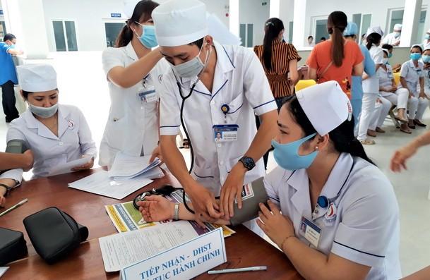 Bạc Liêu triển khai tiêm vắc xin ngừa COVID-19