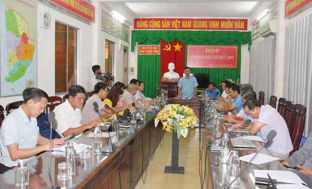 Trưởng Ban Tuyên giáo Tỉnh ủy Hồ Trung Việt chủ trì cuộc họp.