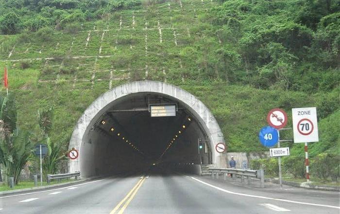 Hầm Hải Vân