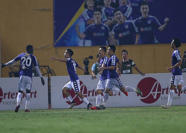 Hà Nội FC đã thắng thuyết phục CLB TP HCM 3-0 trong trận bán kết Cup Quốc gia