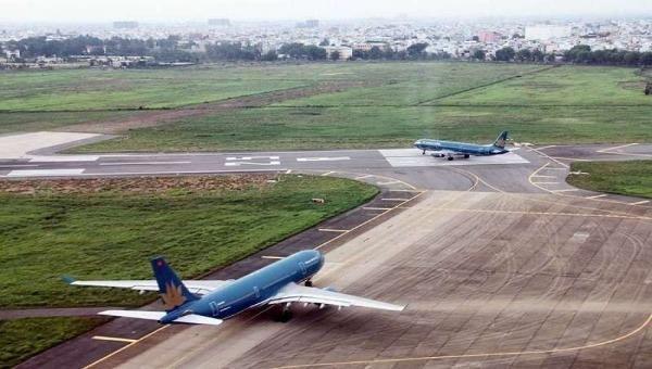 Đường băng tại sân bay Tân Sơn Nhất