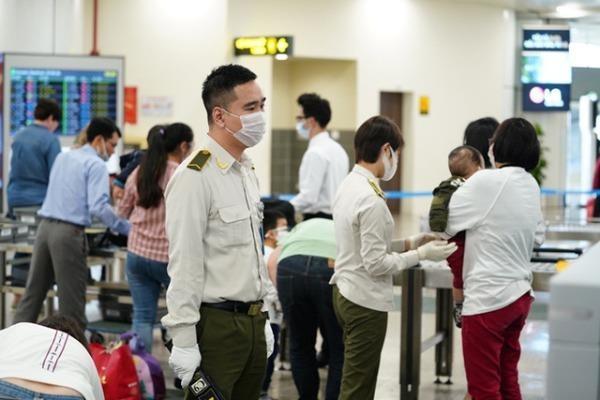 Không đóng cửa sân bay Nội Bài vì dịch Covid-19