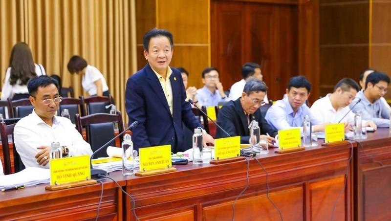 Ông Đỗ Quang Hiển - Chủ tịch HĐQT kiêm Tổng Giám đốc Tập đoàn T&T Group - phát biểu tại cuộc họp với lãnh đạo tỉnh Quảng Trị.