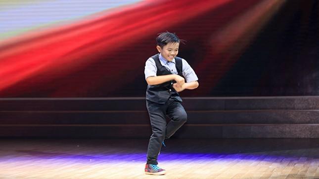 """Yến Trang sở hữu vũ công nhí đầy """"năng lượng"""""""