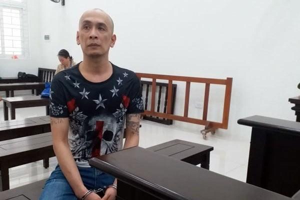 Bị cáo cả đời đi tù