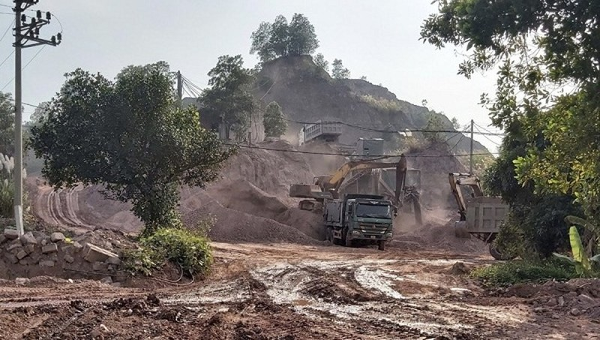 """Kinh Môn (Hải Dương): Hết hạn cho thuê đất doanh nghiệp vẫn """"ngang nhiên"""" khai thác khoáng sản"""