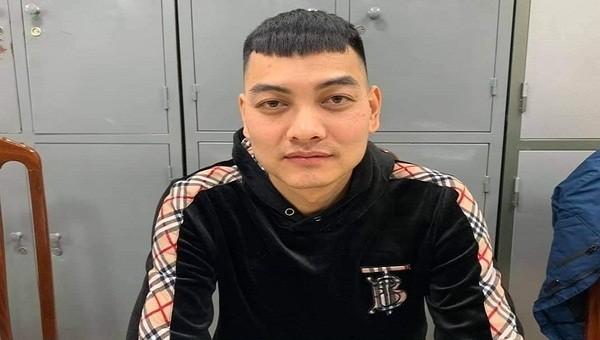 """Đối tượng nổ súng vào xe của """"thánh chửi"""" Dương Minh Tuyền đầu thú"""