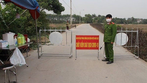 Phạt 2 người Trung Quốc ra khỏi nhà vì lý do không cần thiết ở Cẩm Giàng