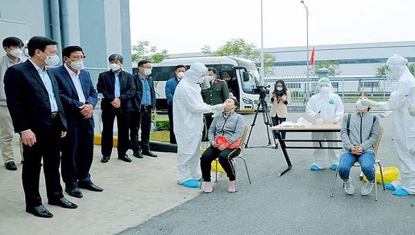 Trước đó huyện Cẩm Giàng đã tổ chức xét nghiệm cho hàng vạn công nhân trên địa bàn