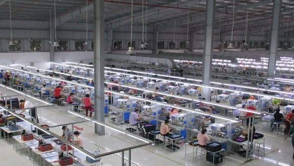 Khoảng 1.700 công nhân ở tỉnh Hưng Yên đang làm việc tại Hải Dương phải tạm nghỉ việc