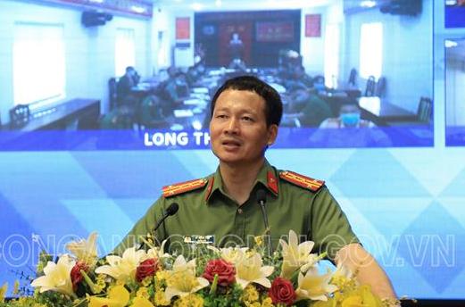 Đại tá Vũ Hồng Văn - Giám đốc Công an tỉnh phát biểu tại Hội nghị. Ảnh: Công an Đồng Nai.
