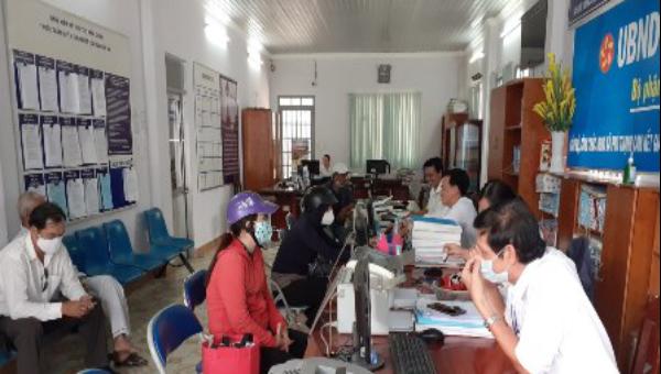 Huyện Nhơn Trạch (Đồng Nai) chú trọng giải quyết nhanh, hiệu quả thủ tục hành chính cho người dân