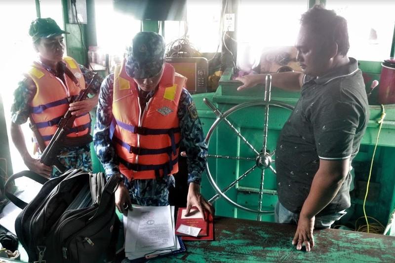 Bộ tư lệnh Vùng cảnh sát biển 4 lập 'chiến công' mới