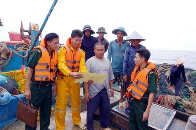 Xử lý nhiều phương tiện vi phạm hành lang an toàn các công trình dầu khí trên biển