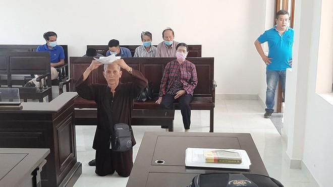 """TAND tỉnh Đồng Nai khẳng định """"vụ đội đơn, quỳ giữa tòa xin xử án"""" là dàn dựng. (Ảnh: Báo Thanh niên)"""