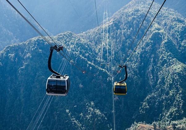 Cáp treo lên đỉnh Fansipan ở Sapa, Lào Cai.
