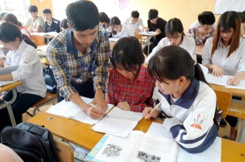 Lào Cai: Hỗ trợ 400 học sinh khó khăn trước kỳ thi tốt nghiệp THPT.